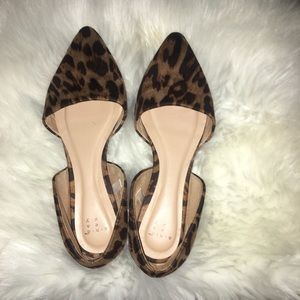 Pointed two piece ballet flat